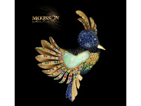 "Golden brooch ""Colibri"" with opal"